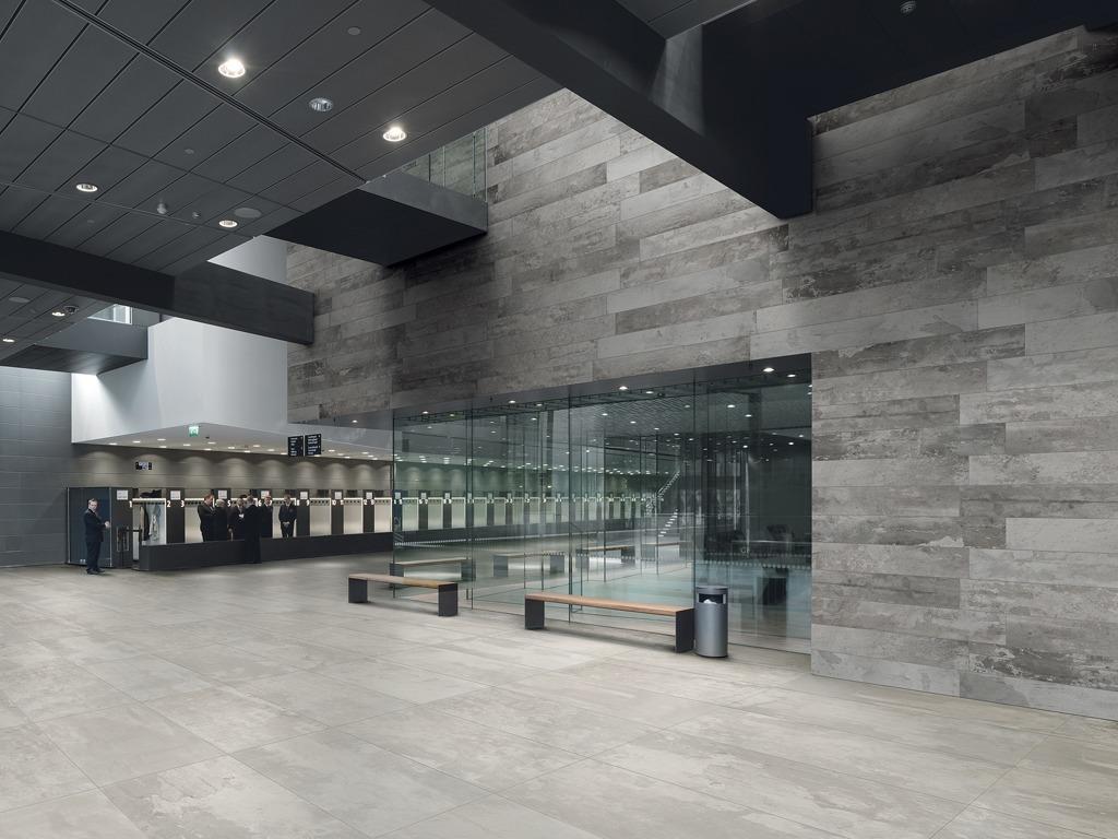 ... Designindustry Concrete Look Tiles Public Veneus ...